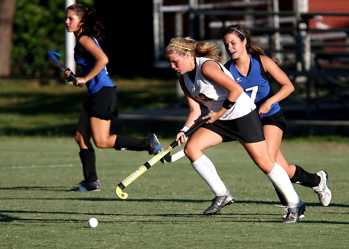 field-hockey-player-girls-game-163526